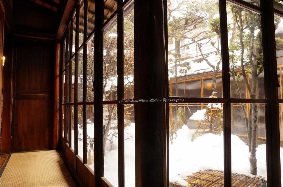 6覆雪庭院