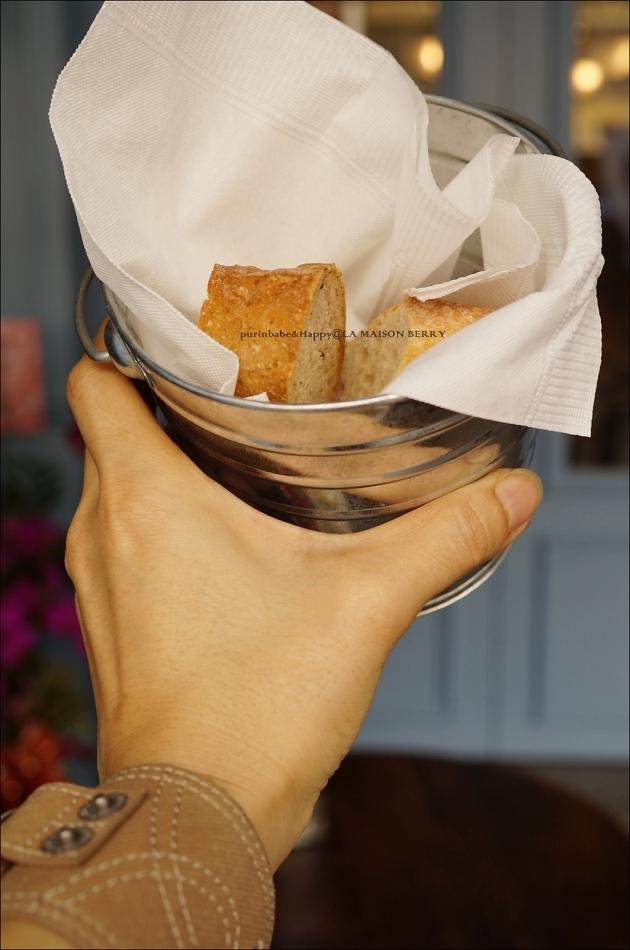 25附餐麵包