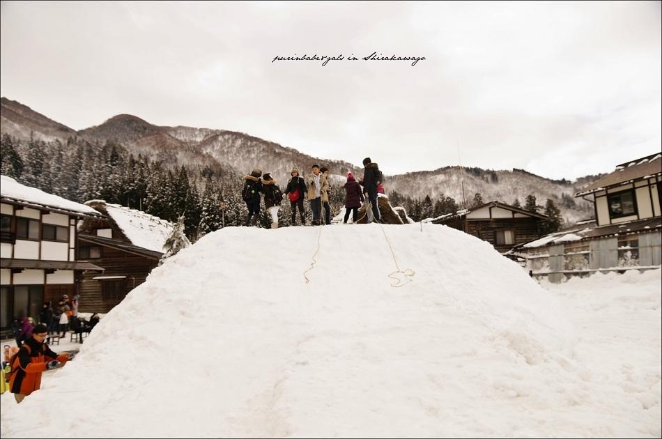 12落人咖啡前的雪堆
