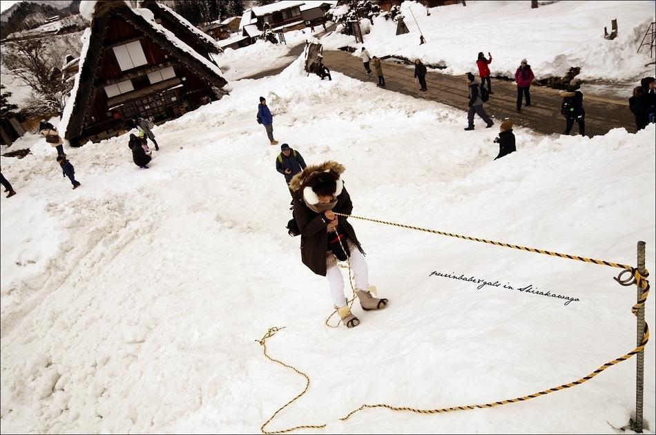 15滑下雪堆
