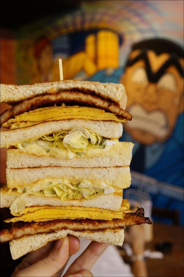 14豬排總匯三明治