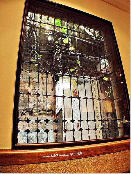 6窄門之窗.JPG
