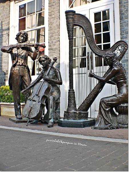19雕像1.jpg