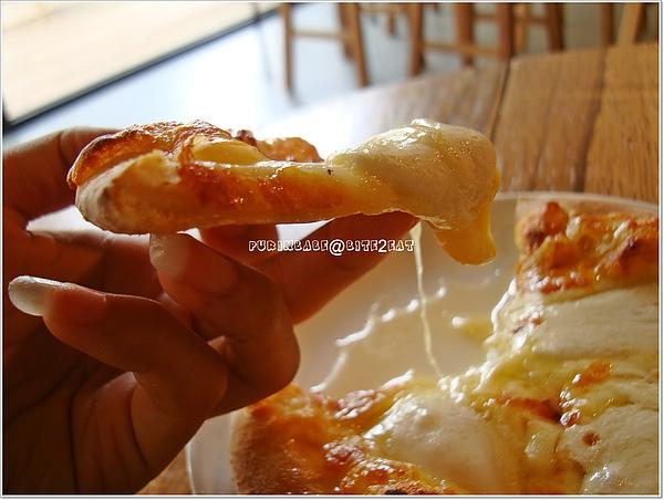 10披薩側面2.jpg