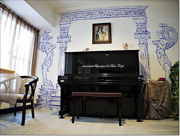16二樓鋼琴.JPG