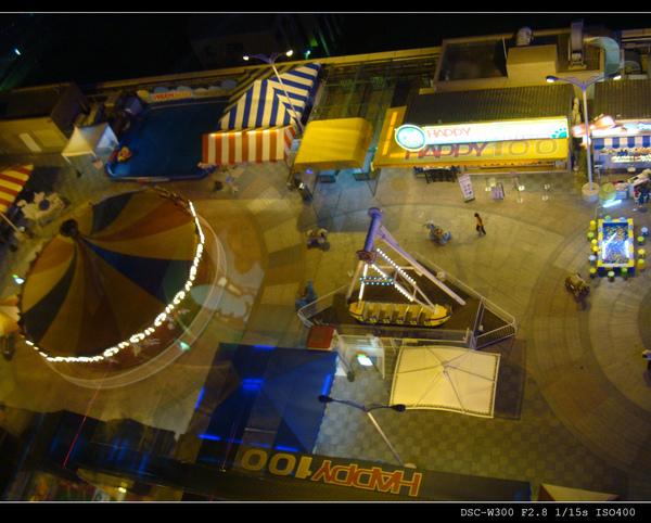 20俯瞰遊樂園.jpg