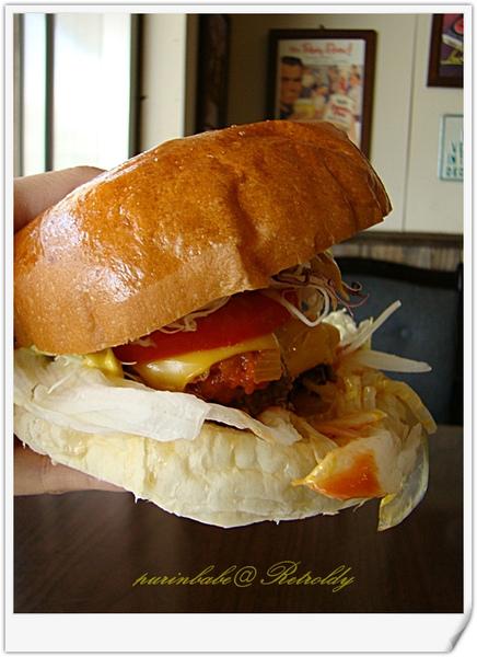 18無法一手掌握的漢堡.jpg
