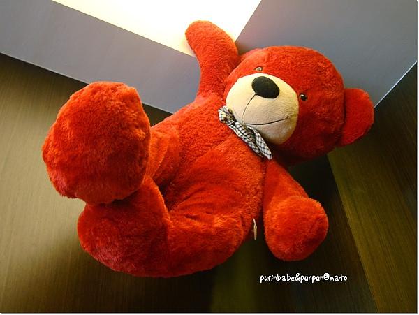 13紅色熊.jpg