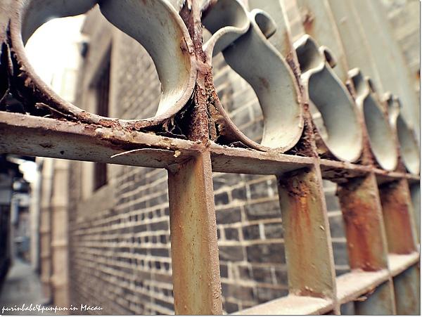 2鐵欄杆.jpg