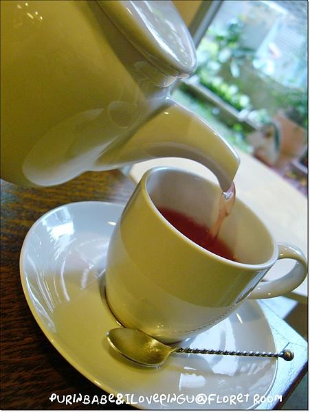 20倒茶.jpg