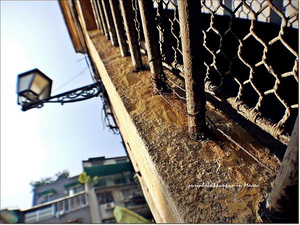 2鐵窗.jpg