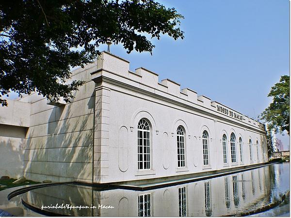 20博物館建築.jpg