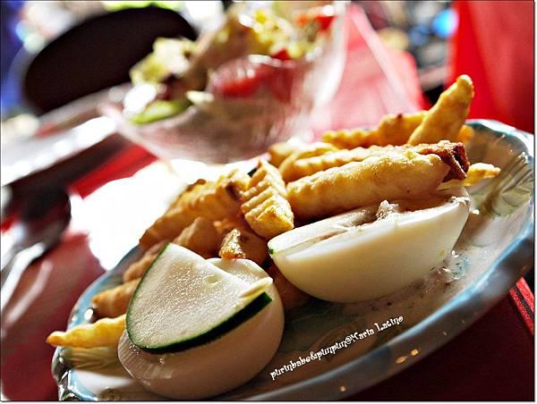 13薯條與西班牙鮪魚蛋.JPG