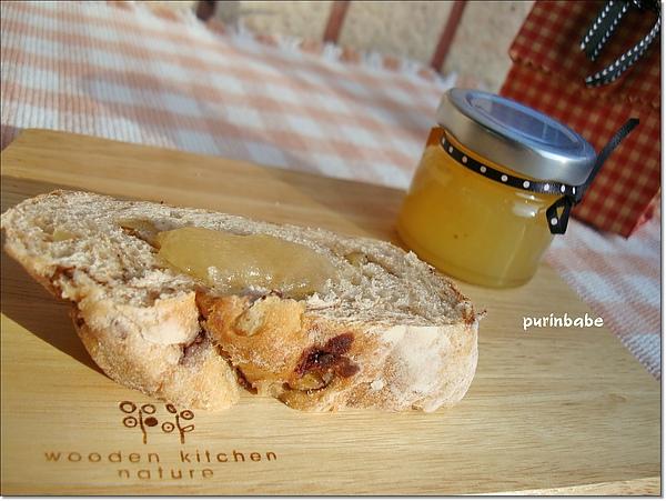 10鳳梨加麵包.jpg