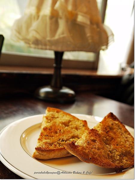 17香蒜麵包.jpg