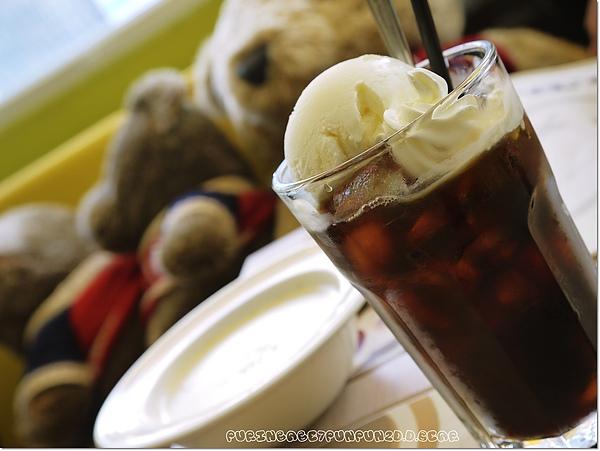 23漂浮冰咖啡.jpg