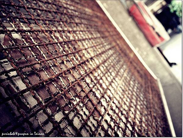 28鐵窗2.JPG
