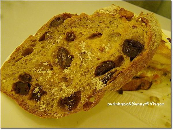 19裸麥麵包.jpg