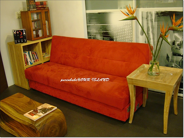 9紅沙發.jpg