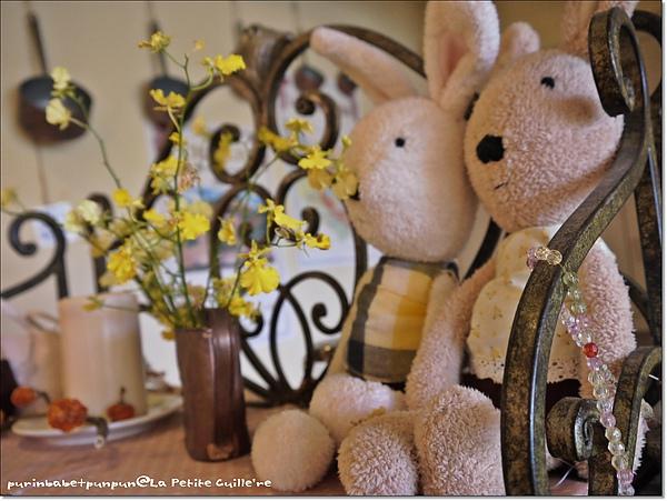 13櫃上法國兔.jpg
