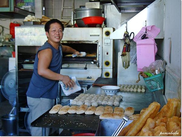7燒餅師傅.JPG