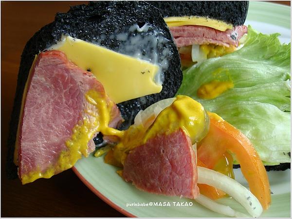 29乳酪肉片內容物.JPG