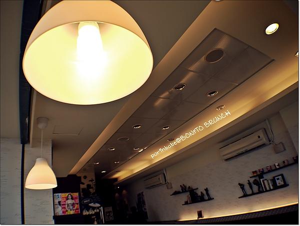9燈.JPG