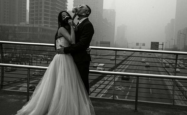 防毒面具婚紗