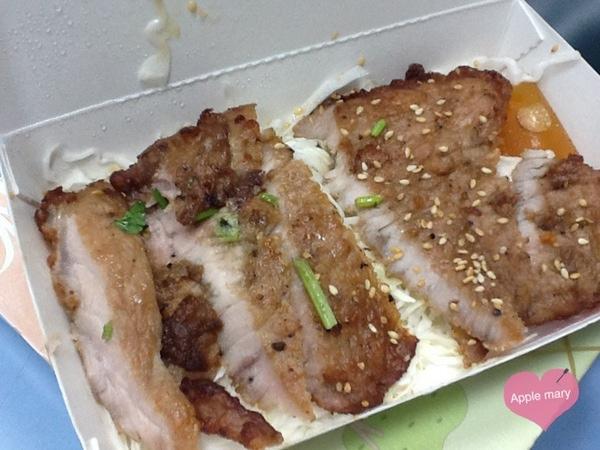 東泰鮮泰式椒麻雞飯:東泰鮮泰式椒麻雞飯