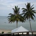 陽台看出去就是沙灘喔!