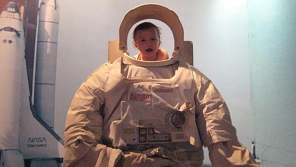 太空人ethan