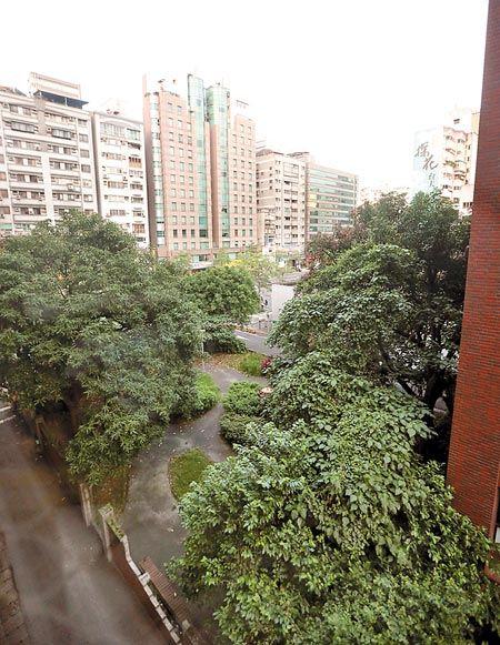 台北市羅斯福路2段的地上權,由志嘉建設以9.67億元得標,創下台北市地上權單價新高