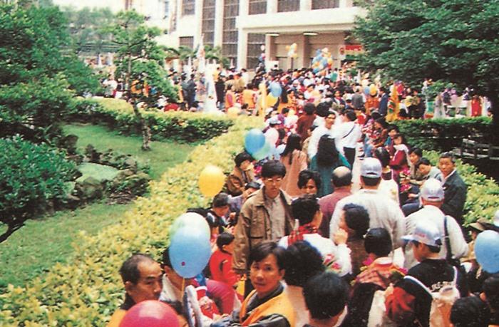 妙天禪師弘法十週年紀念法會民眾熱烈參與