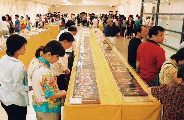 在台北國立國父紀念館舉辦兩場大型「觀世音菩薩慈悲法相畫展」