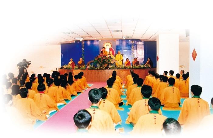 菩曼仁波切應悟覺妙天禪師之邀,為印心弟子們開示