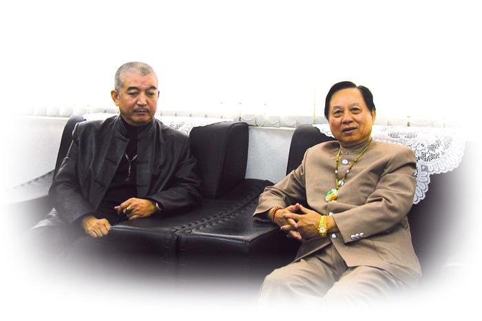 西藏密宗黃教登巴法王