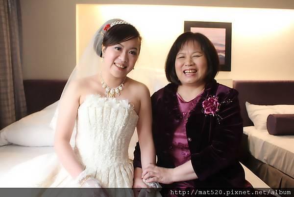 IMG_0491新娘秘書&自助婚紗—100年10月10日-怡婷+京威-百年好合