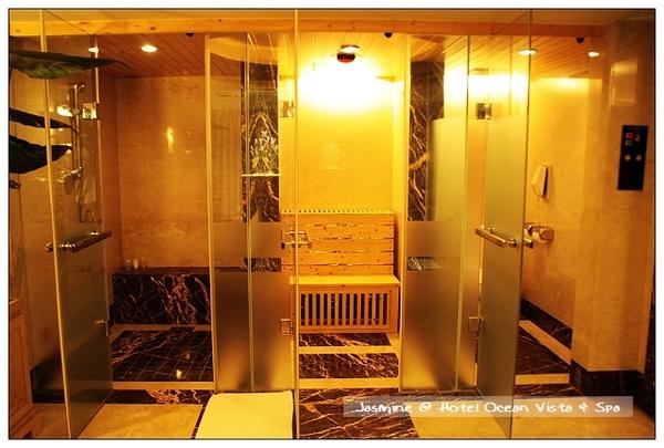 浴室有淋浴間,三溫暖及廁所