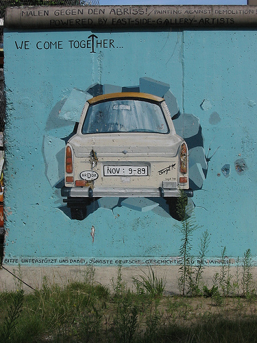wall_of_berlin_photo_by_alias65.jpg