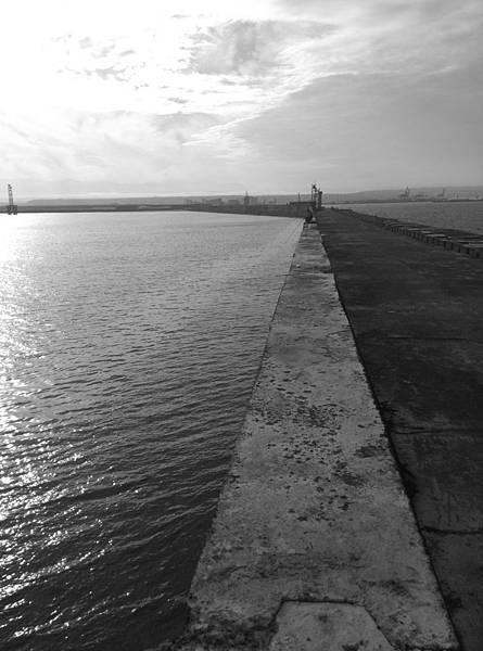 北堤剪影2.jpg