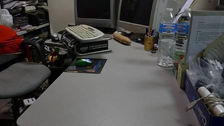 阿道的新辦公桌