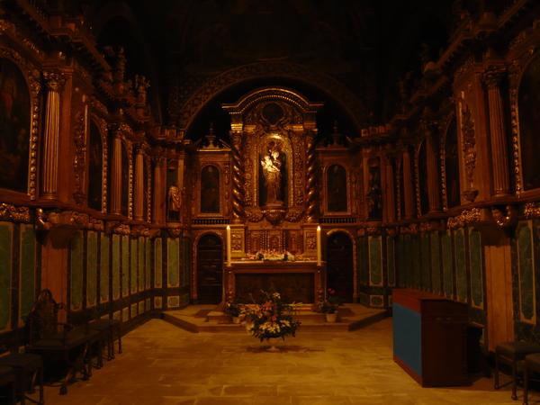 修道院內部