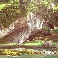顯現石洞的原貌