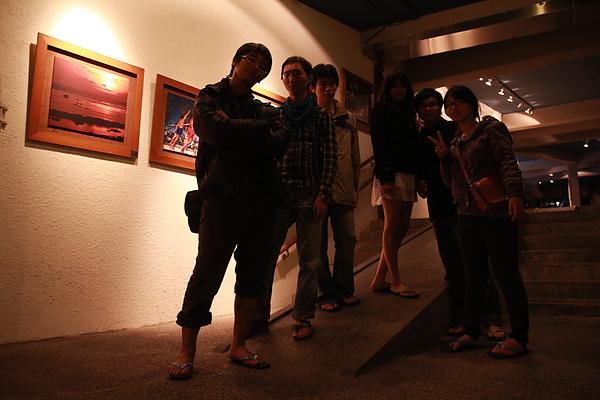 夜晚的走廊
