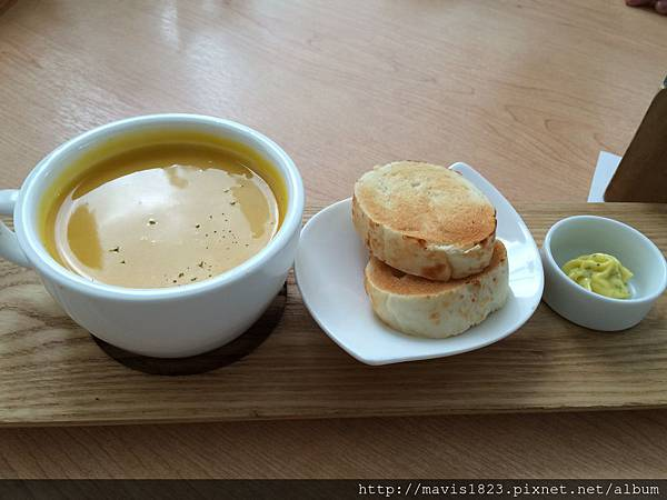 X子~特製湯品+麵包