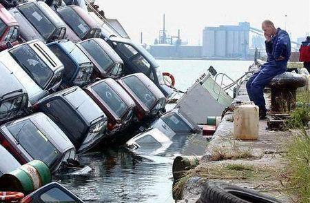 sinking_car_barge.jpg