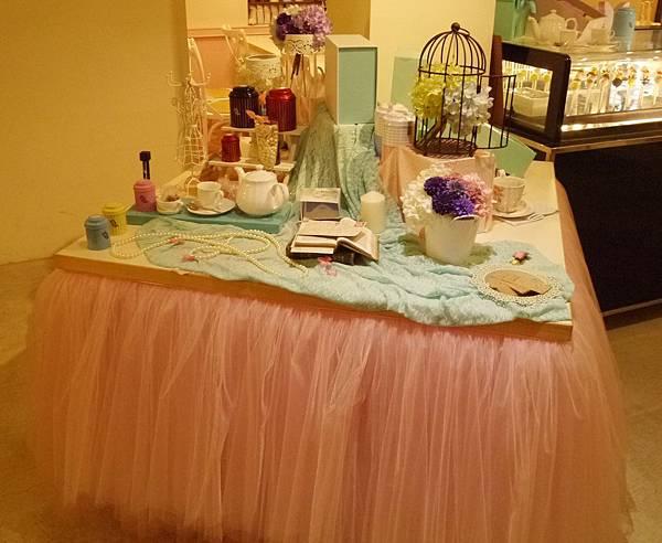 1-11HERDOR Tea House.JPG