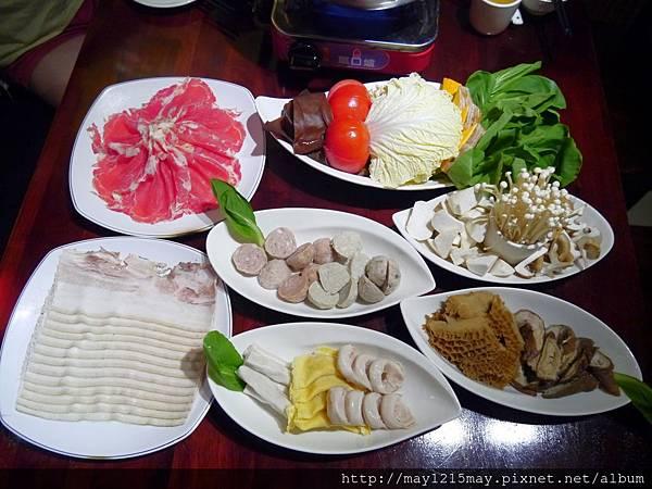 2-3-饕鍋 捷運大安站 酸菜白肉鍋 麻辣鍋.JPG