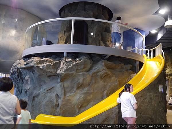 2 基隆 海洋科技博物館 兒童館 溜小孩.JPG