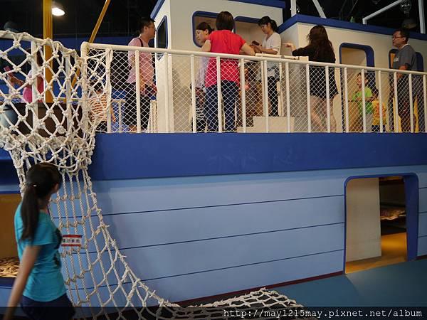 2-5 基隆 海洋科技博物館 兒童館 溜小孩.JPG